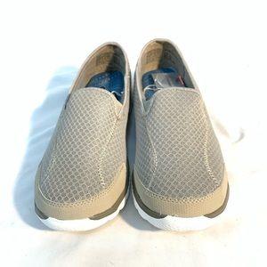 Danskin Shoes - 🔥NEW!🔥DANSKIN SLIP ON SNEAKERS Sz 11